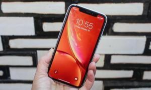 Chiếc smartphone đang bán chạy nhất thế giới bị ghẻ lạnh ở Việt Nam