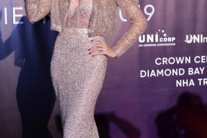 Thanh Hằng, Thu Phương gợi cảm trên thảm đỏ Hoa hậu Hoàn vũ Việt Nam