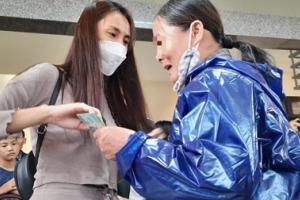 Thủy Tiên đã được các tỉnh miền Trung xác nhận số tiền làm từ thiện là bao nhiêu sau khi công an vào cuộc?